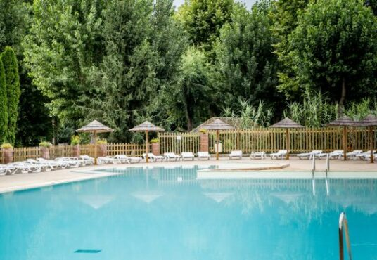 Camping le Beau Rivage piscine camping beau rivage
